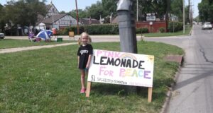 5 Year Old Girl Takes On Westboro Baptist Church Armed With A Lemonade Stand & A Message Of Peace