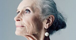 UK Fashion Giant Pushes The Boundaries, Using 85 Y/O Supermodel In A Campaign!