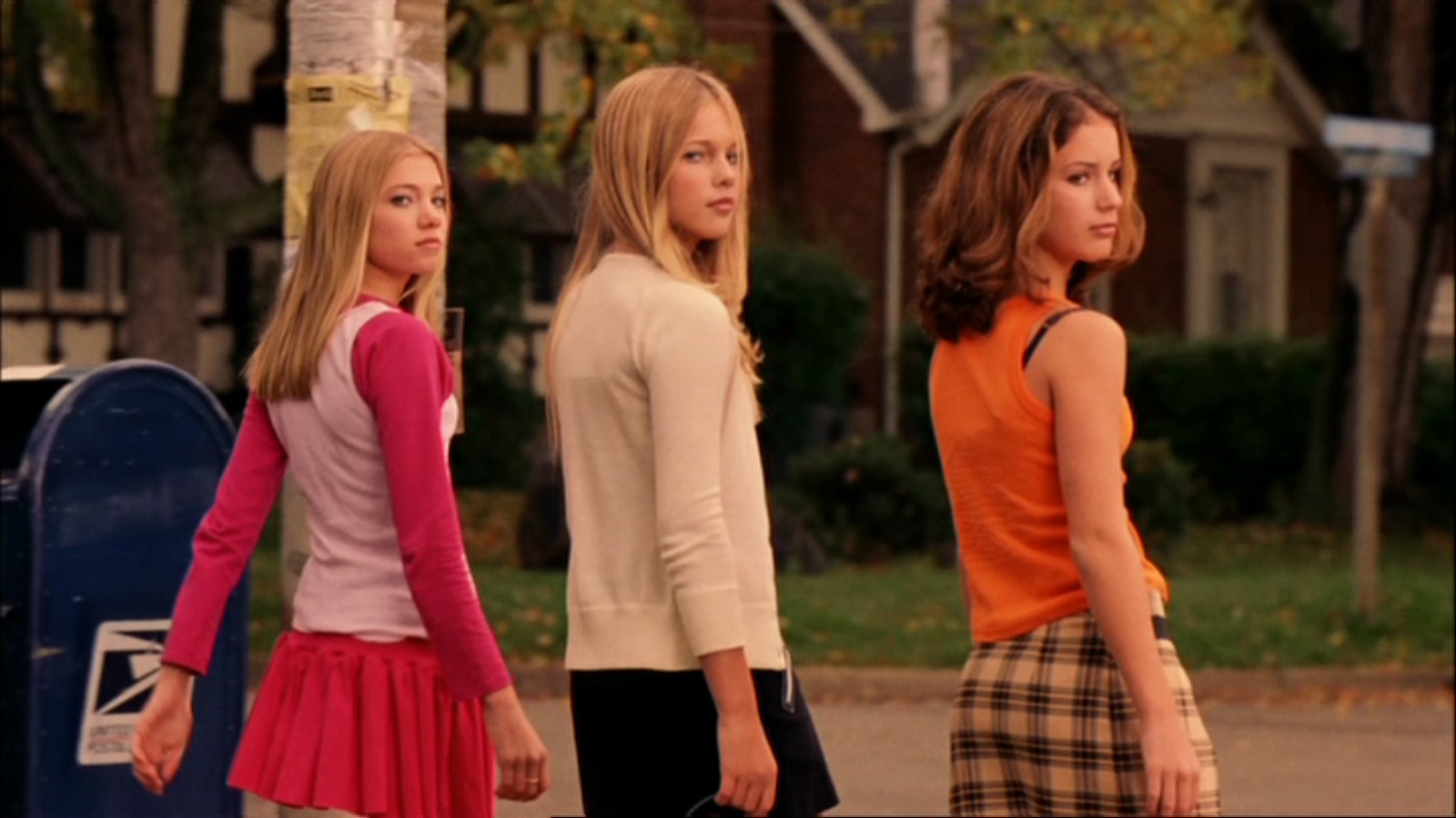 reasons collaboration among women is far better than competition  mean girls