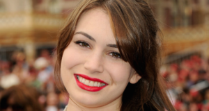 Sophie Simmons Has Something To Say About Thigh Gaps