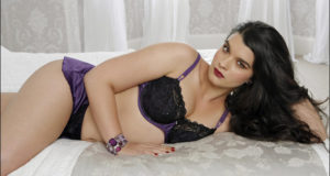 Plus-Size Model Crystal Renn Wants Us To Question All Beauty Standards