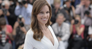 """Hilary Swank On Sexism In Hollywood & Her New """"Feminist"""" Movie"""