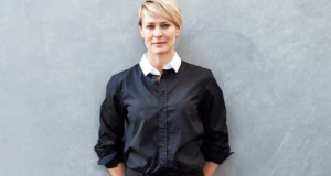 How Directing 'House Of Cards' Made Robin Wright Recognize Hollywood's Gender Problem