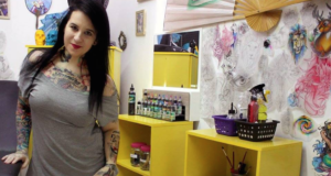 This Amazing Tattoo Artist Covers The Scars Of Domestic Violence Survivors For Free!