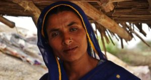 "Pakistan's ""Avon Ladies"" Distribute Birth Control & Family Planning Info To Women In Rural Areas"