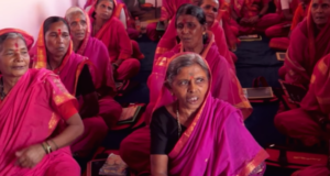 "India's ""School For Grannies"" Gives Elderly Women The Education They Never Received While Young"