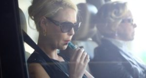 7 Female Celebrities Who Ditched The Cigarettes & Now Vape