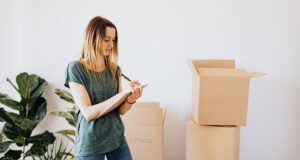 Tips For Single Women Looking To Buy Their First Home