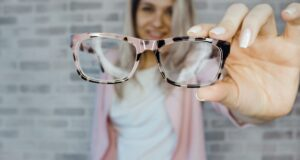 Glasses vs Contacts: What's Better for You?